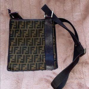 Cross body fendi purse - simple